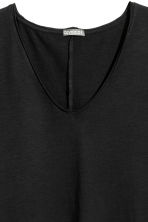 V-neck slub-jersey T-shirt - Black - Men | H&M CN 3