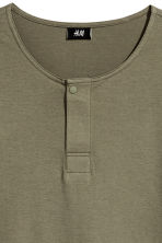 T-shirt with buttons - Khaki green - Men | H&M CN 3