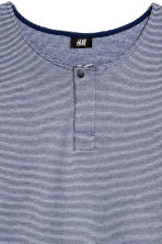T-shirt with buttons - Dark blue/Narrow striped - Men | H&M CN 3