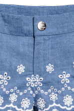 Embroidered cotton shorts - Blue/Chambray - Kids | H&M CN 5