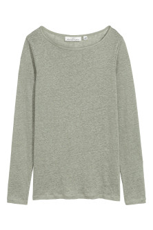 Long-sleeved linen top