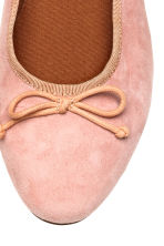 Suede ballet pumps - Light pink - Ladies | H&M 3