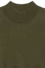 Ribbed turtleneck jumper - Dark khaki green - Men | H&M 2