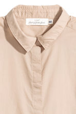 Short-sleeved cotton shirt - Light beige - Ladies | H&M 3