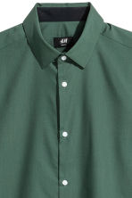 Shirt Slim fit - Dark green - Men | H&M 2