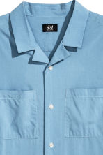 Resort shirt Regular fit - Sky blue - Men | H&M 3