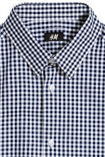 Short-sleeved Easy-iron shirt - Dark blue/Checked - Men | H&M 3