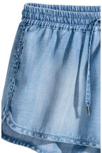 Lyocell shorts - Light denim blue - Ladies | H&M 3