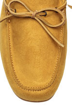Moccasins - Mustard yellow - Men | H&M CN 3