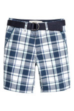 Shorts with a belt - Dark blue/Checked -  | H&M 2