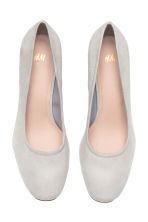 Block-heel court shoes - Light grey - Ladies | H&M CN 2
