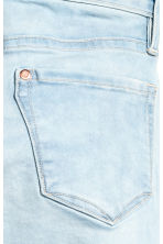 Skinny fit Capri Jeans - Pale denim blue -  | H&M 4