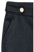 Tailored shorts - Dark blue - Ladies | H&M CN 3