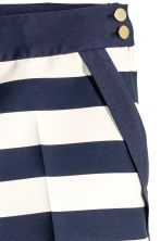 Tailored shorts - White/Dark blue/Striped -  | H&M 3