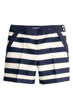 Tailored shorts - White/Dark blue/Striped -  | H&M 2