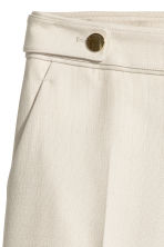 Tailored shorts - Light beige - Ladies | H&M 3