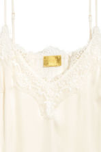 Top in satin con pizzo - Bianco naturale - DONNA | H&M IT 2