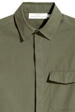 Cotton shirt Regular fit - Khaki green -  | H&M CN 3