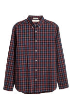 Poplin shirt Regular fit - Burgundy/Checked - Men | H&M 2