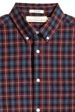 Poplin shirt Regular fit - Burgundy/Checked - Men | H&M CN 3