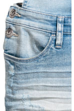 Denim dungaree shorts - Light denim blue - Kids | H&M CN 4