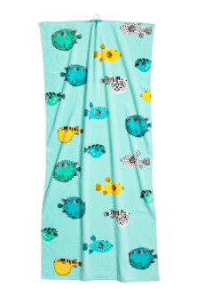 Patterned bath towel