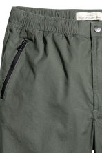 Knee-length poplin shorts - Dark khaki green - Men | H&M CN 4