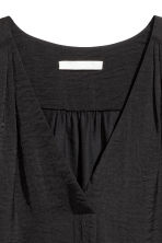 V-neck blouse - Black - Ladies | H&M CN 3