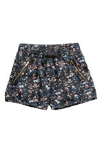 Lyocell shorts - Dark grey/Floral -  | H&M 2