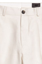 Linen city shorts - Light beige - Men | H&M 4