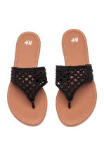 Crocheted flip-flops - Black - Kids | H&M 1