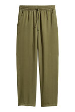 Wide lyocell trousers - Khaki green - Ladies | H&M 2