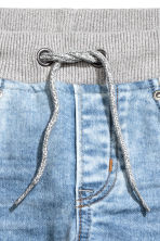 Super Soft denim joggers - Light denim blue - Kids | H&M 5