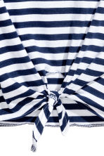 Tie-front T-shirt - Blue/White striped - Ladies | H&M 3
