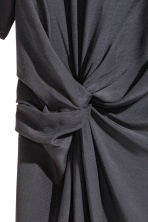 Crêpe dress - Dark grey - Ladies | H&M 2