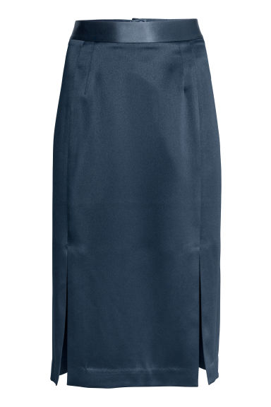 Knee-length satin skirt Model