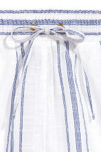 Linen-blend shorts - White/Blue striped - Ladies | H&M CA 2
