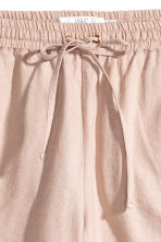 Linen-blend shorts - Light beige - Ladies | H&M 3