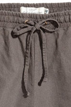Linen-blend shorts - Dark mole - Ladies | H&M CN 3