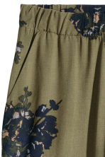 Wide trousers - Khaki green /Floral - Ladies | H&M CN 3