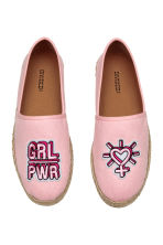 Espadrilles with an appliqué - Light pink - Ladies | H&M CN 2