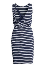 MAMA V-neck nursing dress - Dark blue/Striped - Ladies | H&M 3