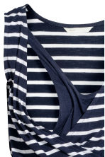 MAMA V-neck nursing dress - Dark blue/Striped - Ladies | H&M 4