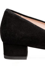 Suede block-heeled court shoes - Black - Ladies | H&M CN 4