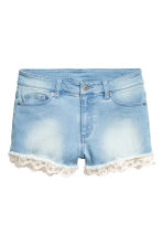 Denim shorts with lace trims - Light denim blue - Ladies | H&M CN 2
