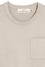 T-shirt with a chest pocket - Beige - Men | H&M CN 3