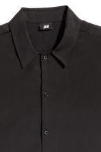 Camicia in lyocell Regular fit - Nero - UOMO | H&M IT 3
