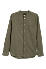 Grandad shirt Regular fit - Khaki green - Men | H&M 2