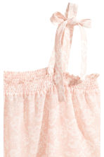 Top with smocking - Powder pink/Pattern - Ladies | H&M 3