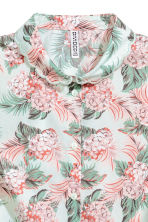 Sleeveless blouse - Mint green/Floral - Ladies | H&M 3